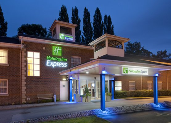 Holiday Inn Express Leeds East Exterior